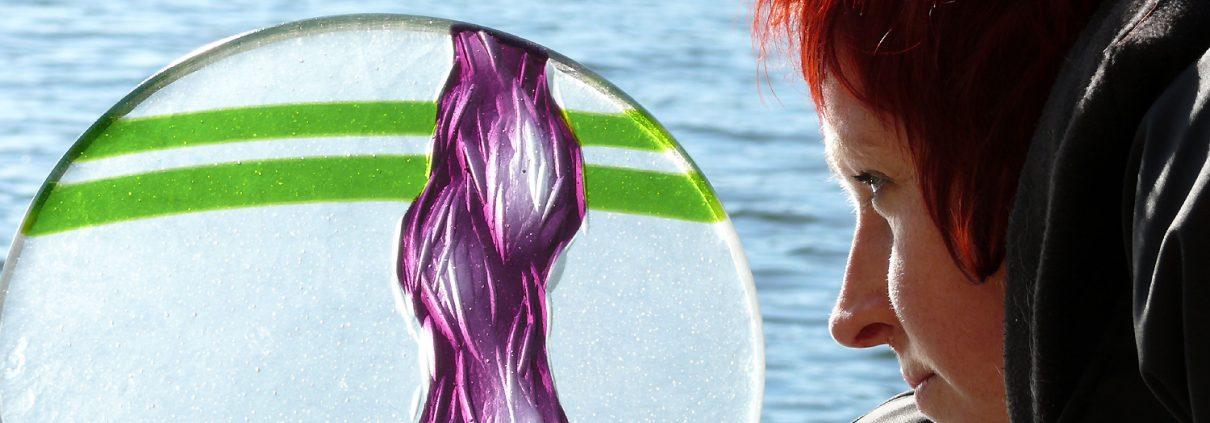 Glasschale Violett Gruen Glaskunst Antje Otto Keitum Sylt