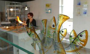 Antje-Otto-Glaskunst Arbeitsplatz Fischobjekt