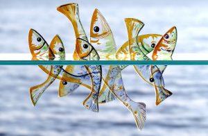 Springende Glasfische Glasmalerei Glaskunst Antje Otto Keitum Sylt