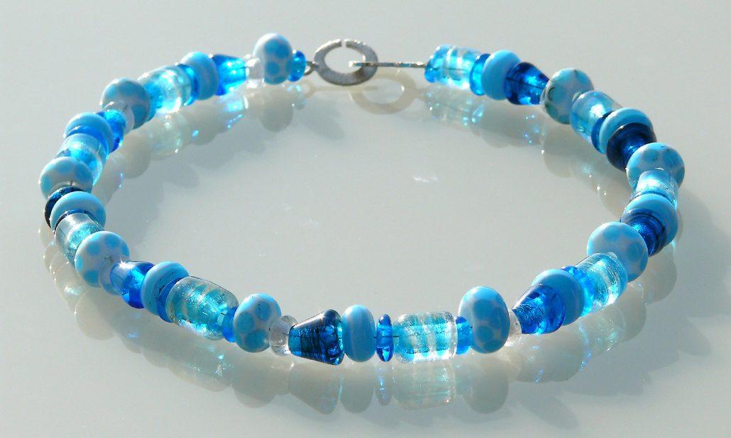 Antje-Otto-Glaskunst Keitum Sylt Glaskette-mundgeblasen-Blau